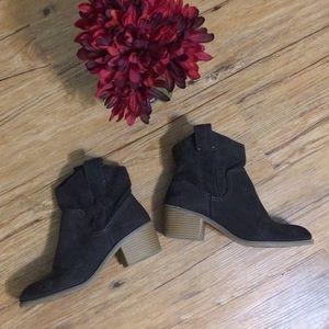 Charcoal Gray Booties 💕